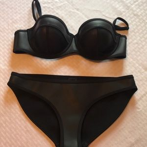 Black Triangl bikini medium large